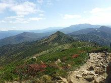 稜線と小至仏