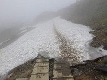至仏山残雪